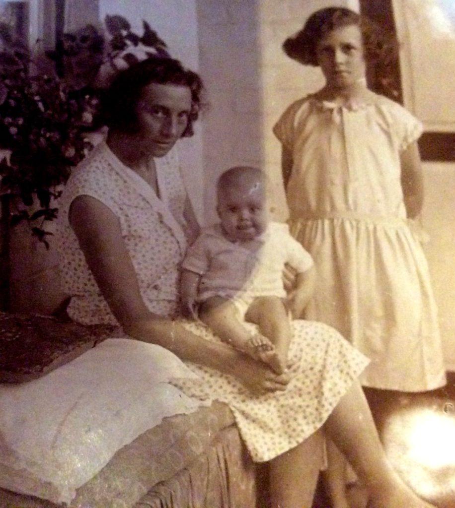 kiambi 1930 1937 la douce vie de kiambi l 39 appel des jacarandas. Black Bedroom Furniture Sets. Home Design Ideas