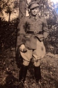 Willy en tenue militaire
